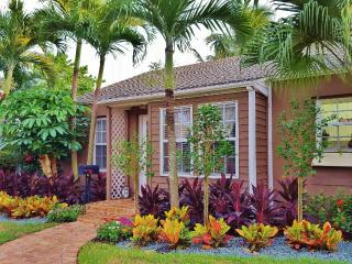 Tropical Bungalow with Pool - West Palm Beach vacation rentals