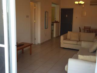 Lovely one bedroom apartment suitable for holiday - Tsada vacation rentals