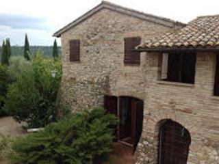 """""""Casale L'Aurora""""with medioeval Tower +outdoorpool - Collevalenza vacation rentals"""