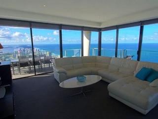 HUGE PENTHOUSE WITH STUNNING OCEAN AND CITY VIEWS - Surfers Paradise vacation rentals