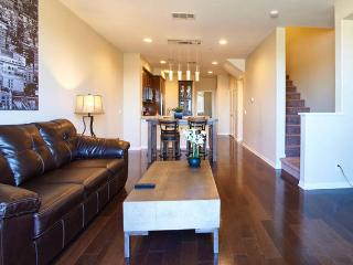 Lovely Modern Home in the Heart of Irvine - Irvine vacation rentals