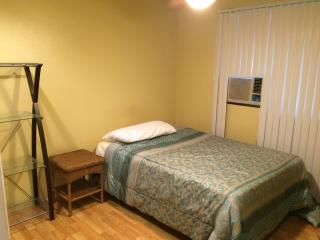 Nice Private room with Internet Access and Towels Provided - Waipahu vacation rentals