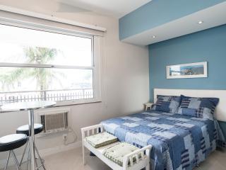 Romantic 1 bedroom Apartment in Rio de Janeiro with Internet Access - Rio de Janeiro vacation rentals