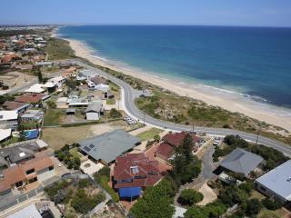 Beachside Getaway Halls Head - Mandurah vacation rentals