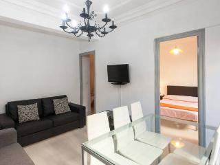 Nice 4 bedroom Apartment in Valencia with Internet Access - Valencia vacation rentals