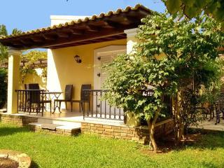 Villa 4 beds with pool  on Corfu island - Argyrades vacation rentals