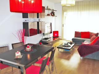 Perfect 3 bedroom Condo in Lloret de Mar with A/C - Lloret de Mar vacation rentals
