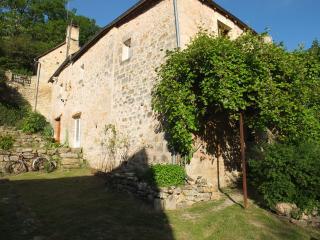 Chambre Des Murmures Périgord Noir proche Sarlat - Azerat vacation rentals