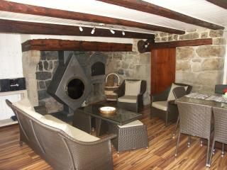 GITE 4 **** proximité forêt et rivière - Saint-Antheme vacation rentals
