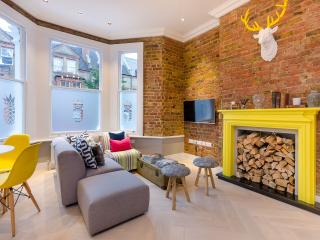 Putney East – Stylish Living by the River - London vacation rentals