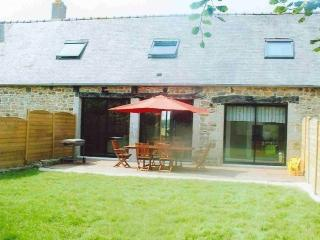 Nice Gite with Internet Access and Dishwasher - Penvenan vacation rentals