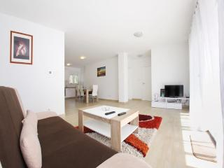 Gorgeous Condo with A/C and Wireless Internet in Zadar - Zadar vacation rentals