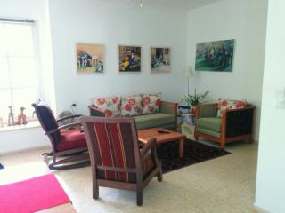 Charming 2 BR Ground floor apartment: Central - Ra'anana vacation rentals