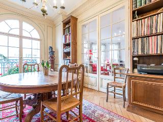Elegant Apartment for 5 in the 15th D - Paris vacation rentals