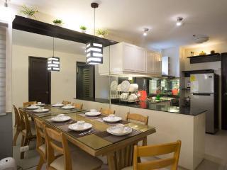 Cozy 2 Bedroom Condo w/ Wifi & Cable (Baguio City) - Baguio vacation rentals