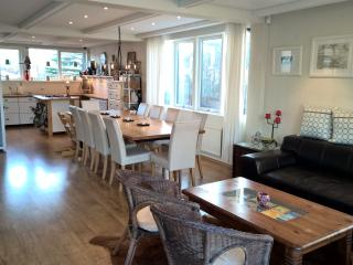 Comfort & space in the city center - Reykjavik vacation rentals