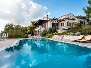 Traditional Mediterranean Villa in Western Zante! - Koiliomenos vacation rentals