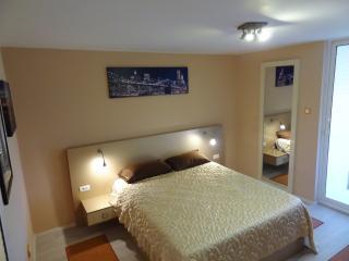 Nice 5 bedroom Vacation Rental in Galati - Galati vacation rentals