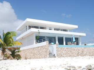 Beach Villa with private beach, all rooms sea view - Kralendijk vacation rentals
