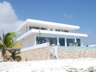 Beach Villa with private beach, all rooms sea view - Kralendijk vacation rentals