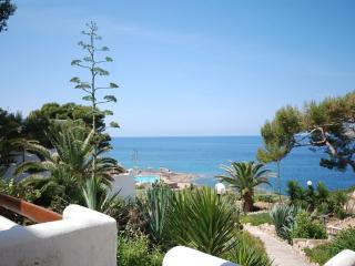 Appartement in 1. Meereslinie Sant Elm - Sant Elm vacation rentals