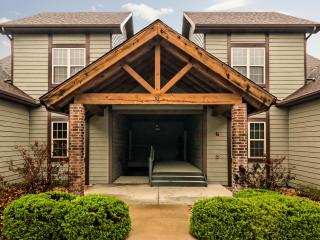 Close to SDC and strip, quiet gated golf community - Branson West vacation rentals