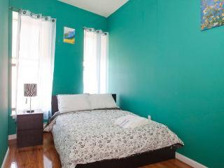 Helen's apt.  4 bedrooms 2 baths for 8-10 people - Queens vacation rentals