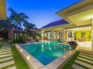 Villa Puteri, 3-bedroom modern and private villa - Kerobokan vacation rentals