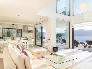 Villa / 4 Bedroom / 8 Sleeps / 5 Night Min Stay - Kalkan vacation rentals