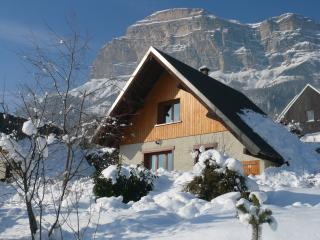 3 bedroom Chalet with Internet Access in Saint-Hilaire - Saint-Hilaire vacation rentals