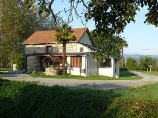 Gites moulin de Lespielle en Vic-Bilh et Béarn 64350 - Lespielle vacation rentals