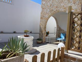 Trilocale Il Sole a 200 mt dalla spiaggia - Torre Chianca vacation rentals