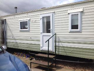 2 bedroom Caravan/mobile home with Long Term Rentals Allowed (over 1 Month) in Chapel St. Leonards - Chapel St. Leonards vacation rentals