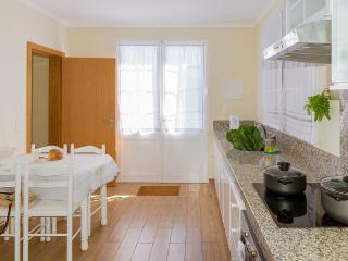 Comfortable 3 bedroom House in Ribeira Brava with Wireless Internet - Ribeira Brava vacation rentals