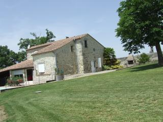 4 bedroom House with Internet Access in Nerac - Nerac vacation rentals