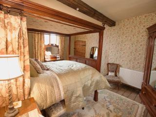 Brayne Court Bed & Breakfast - Jacobean Suite - Littledean vacation rentals