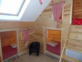 Nice Chalet with Washing Machine and Television - Crots vacation rentals