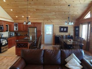 Luxury Log Cottage at Resort in Frontenac Area - North Frontenac vacation rentals