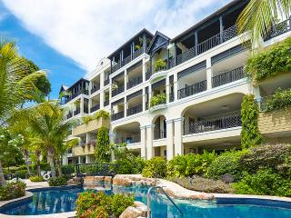 Elegantly Furnished Three Bedroom Apartment - Derricks vacation rentals