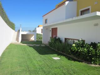 36 Pinhal - private pool, 3 beds, 3 bathrooms - Obidos vacation rentals