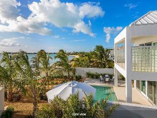 Romantic 1 bedroom Villa in Sapodilla Bay - Sapodilla Bay vacation rentals