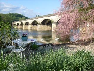 L'escale on the Dordogne Riverside (family rooms) - Siorac-en-Périgord vacation rentals