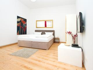 City Apartment 8 Prenzlauer Berg - Berlin vacation rentals