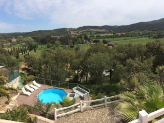 VILLA AU CALME VUE IMPRENABLE AVEC PISCINE - Roquebrune-sur-Argens vacation rentals