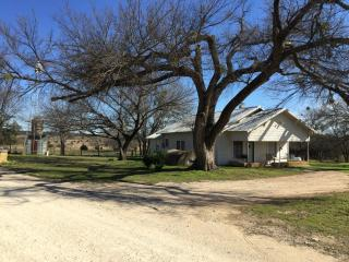 3 bedroom House with Long Term Rentals Allowed in Glen Rose - Glen Rose vacation rentals