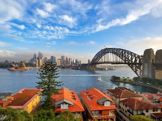 Spectacular Sydney Harbour Views 2 Bed + Carspace - Kirribilli vacation rentals