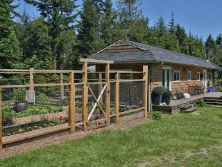 2 BR cottage with Julia Child kitchen - Salt Spring Island vacation rentals