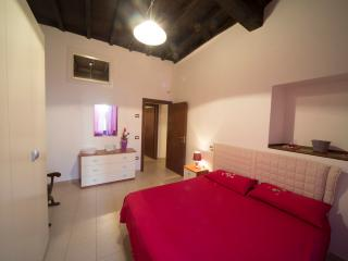 Cozy 2 bedroom Spoleto House with Iron - Spoleto vacation rentals