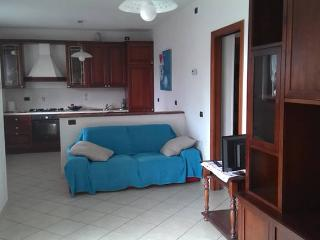 Cozy 2 bedroom Apartment in Borgomanero - Borgomanero vacation rentals