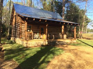 Cozy Cabin with A/C and Satellite Or Cable TV - Corinth vacation rentals